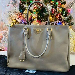 ⚡️SALE⚡️Authentic Prada Saffiano Lux  Tote Bag